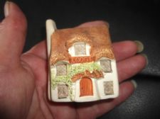 "COLLECTABLE PHILIP LAURESTON MINIATURE COTTAGE LODGE UK 719 2.5"" HIGH"